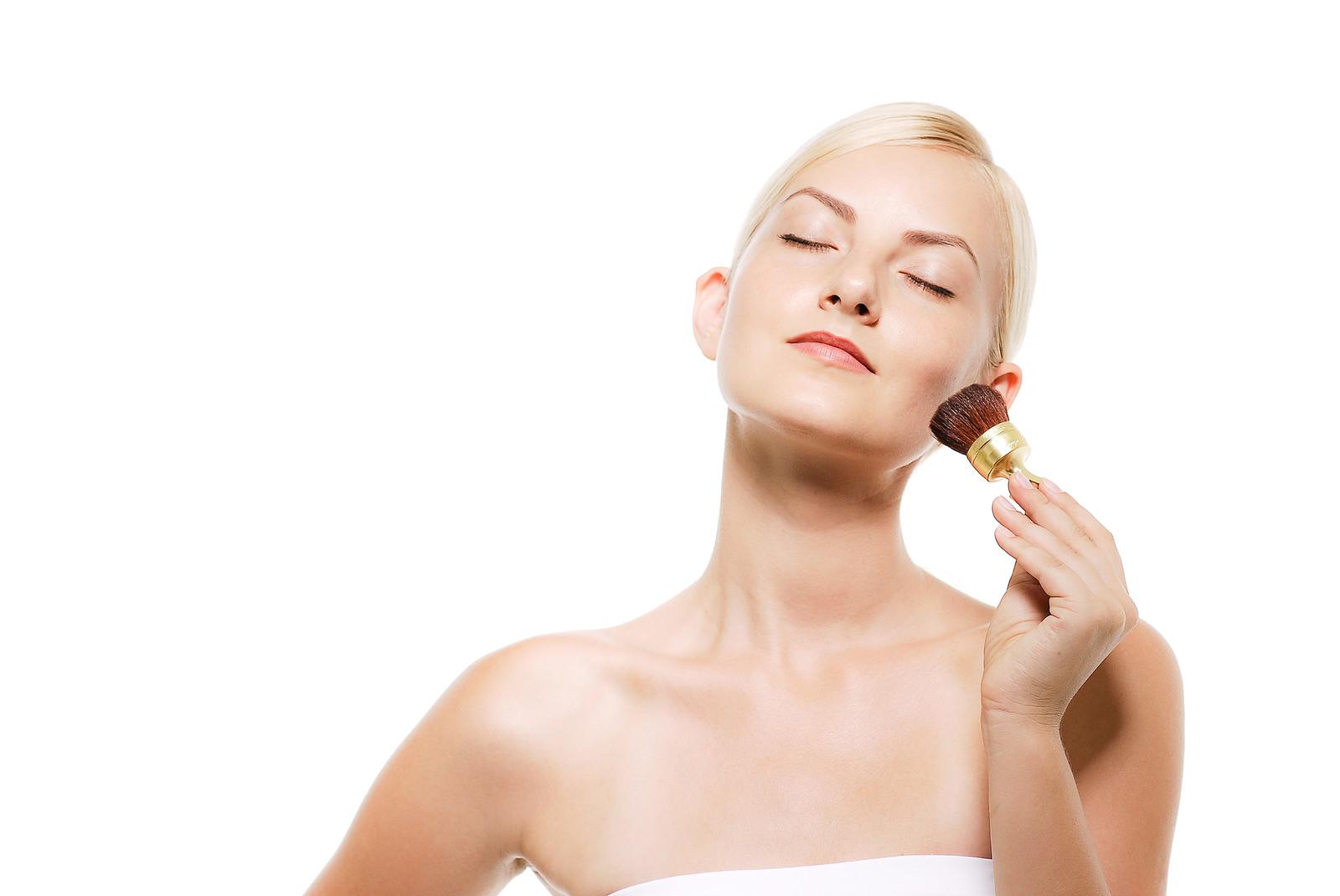 顔の肌質がどの肌か調べる方法4選!(乾燥肌、インナードライ肌、オイリー肌、正常肌)
