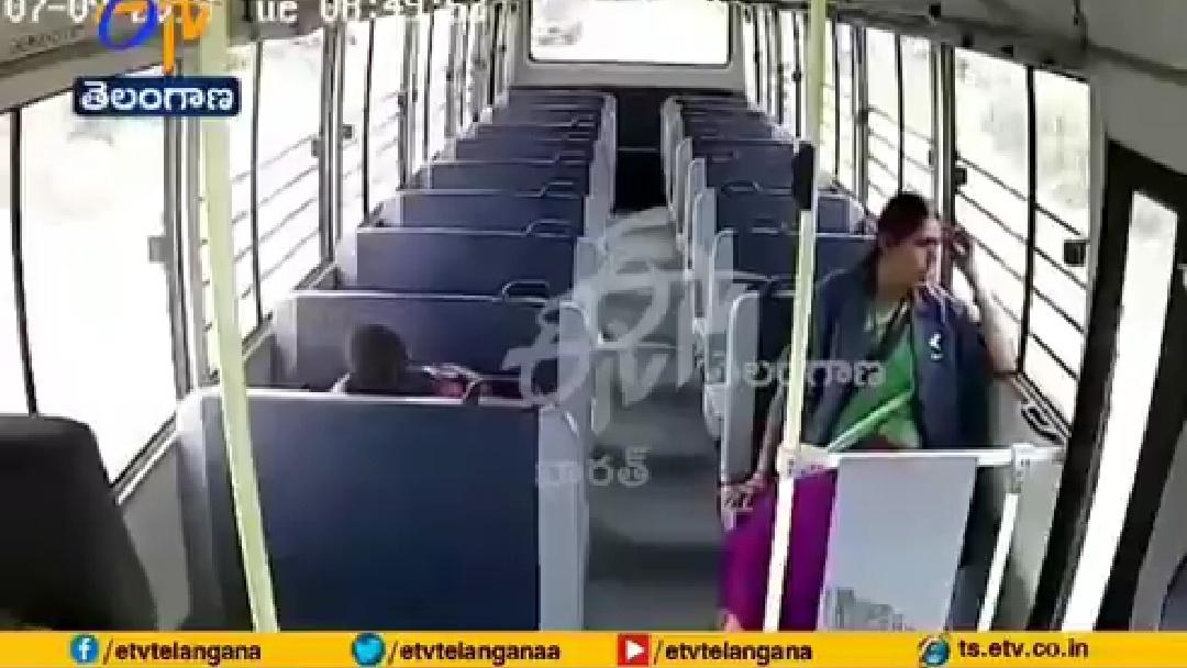 いつものバスに乗っていたら恐ろしいことに…インド